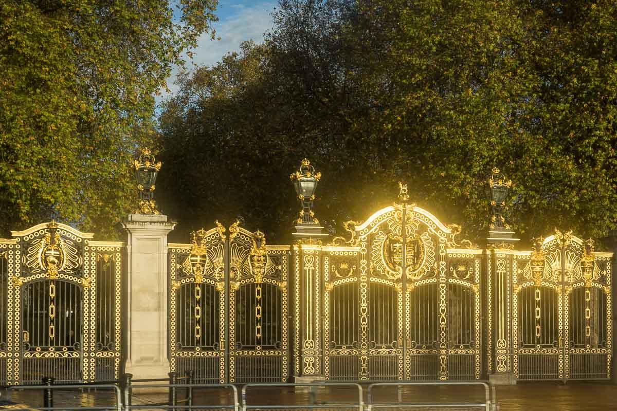 Canada Gate?, London