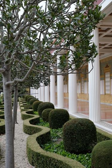 Pillared garden